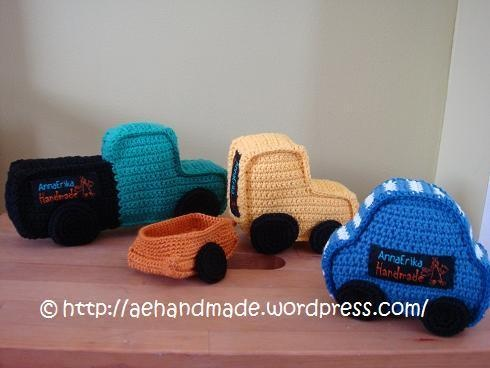 Free Crochet Pattern : Crocheted Car, Truck, Tractor and Trailer
