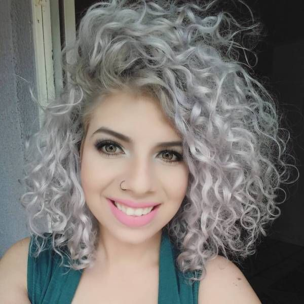 40 Hair Solor Ideas With White And Platinum Blonde Hair Platinum Blonde Hair Blonde Hair Color Curly Hair Styles