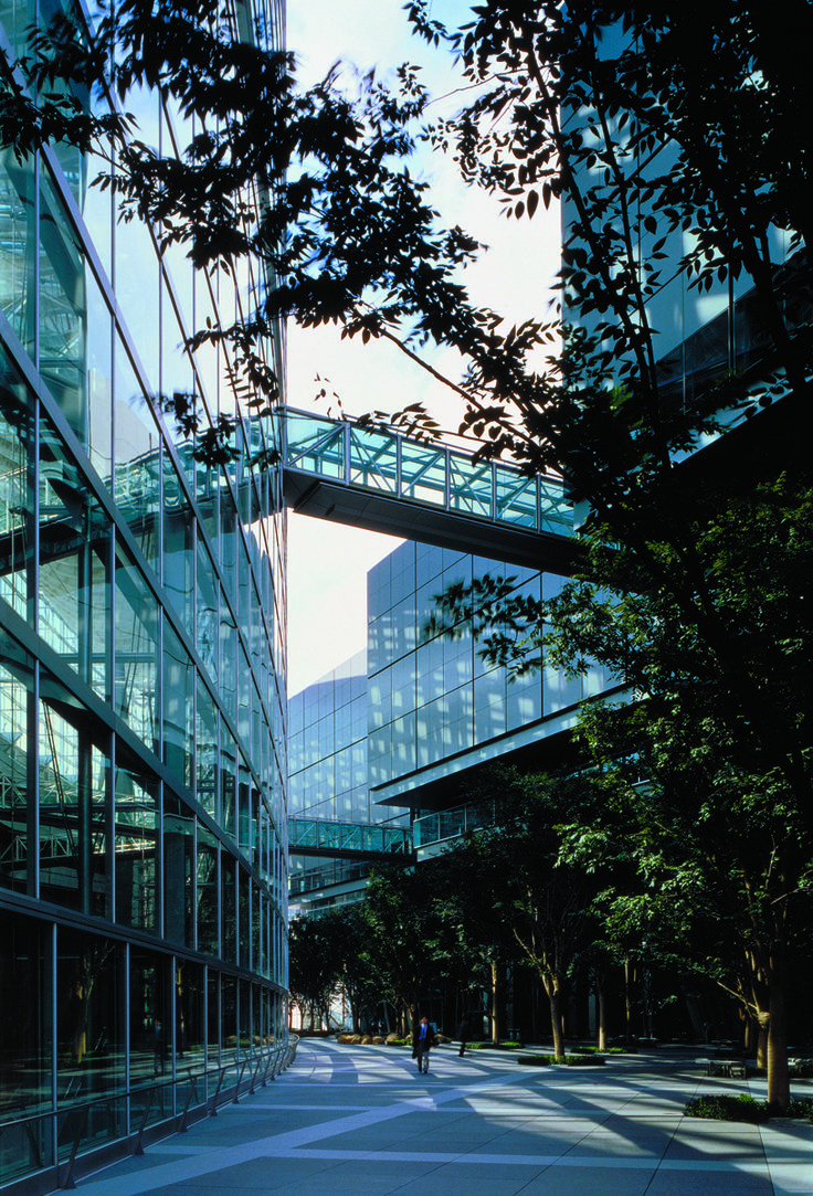 Tokyo International Forum | Rafael Viñoly Architects | View of plaza