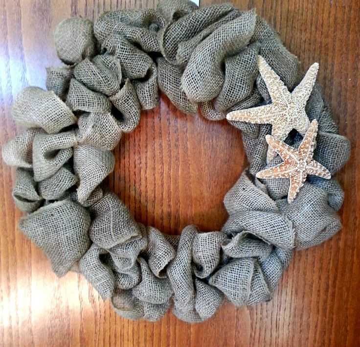 Made this burlap wreath for my parents Florida Condo.....;)