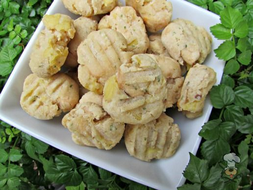 (dairy, wheat and gluten-free) ginger pineapple chicken dog treat/biscuit recipe