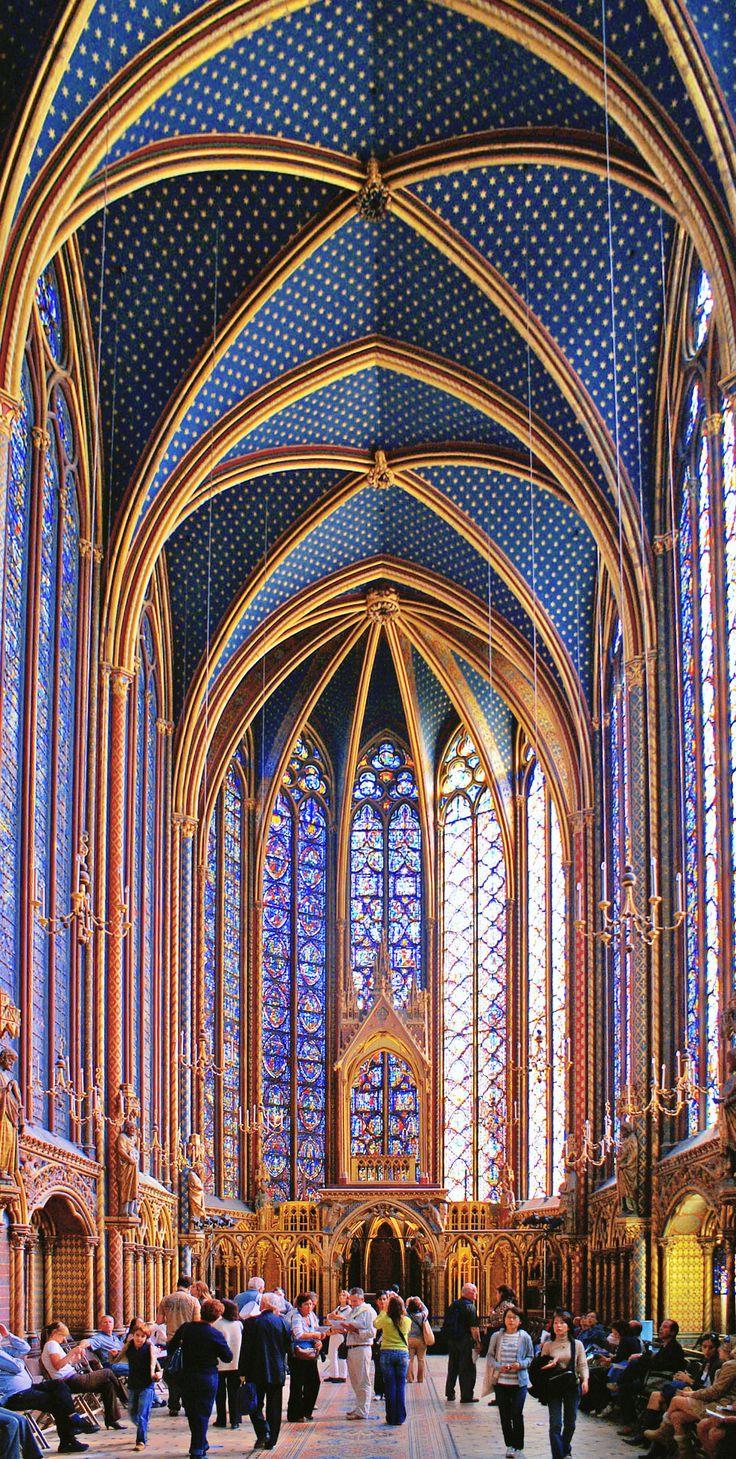Sainte Chapelle in Paris, France                                                                                                                                                                                 Mais