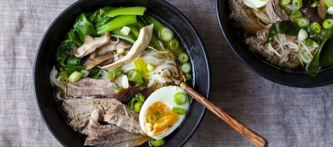 Chinese Noedelsoep Met Kip recept | Smulweb.nl