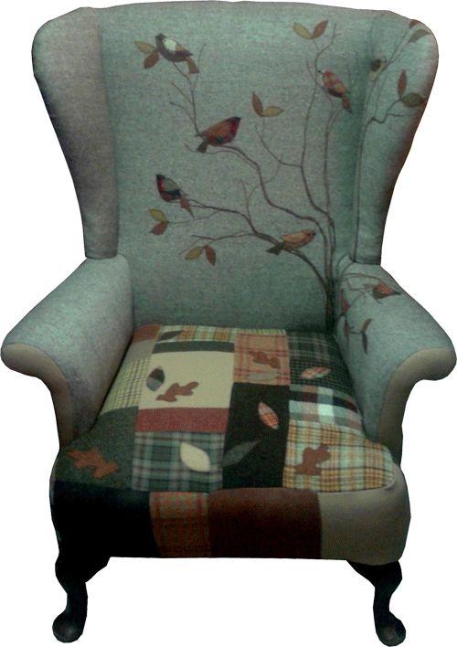 """geborduurde """"schilderijen als bekleding, origineel maar waarschijnlijk niet erg slijtvast chairs.html"""