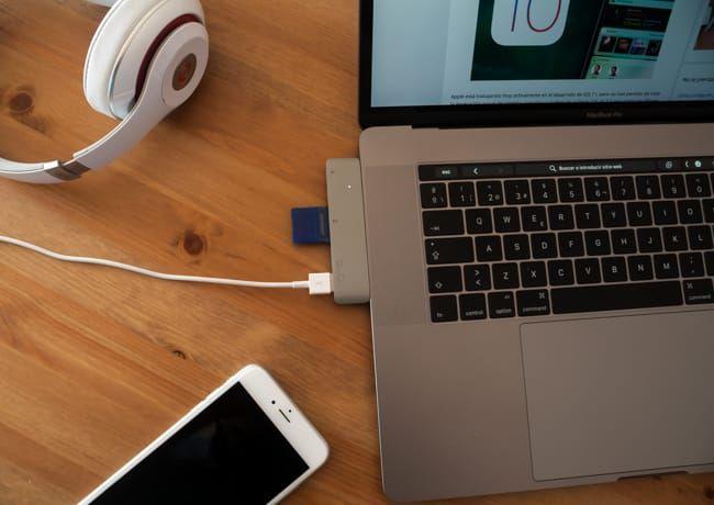 ¿Buscas un hub con puertos USB y lector de tarjetas para MacBook Pro de 13 y 15 pulgadas? Hemos probado el QacQoc GN28A y aquí están nuestras impresiones.