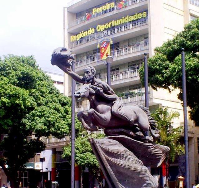 Colombia - Bolivar desnudo, Pereira, Risaralda.