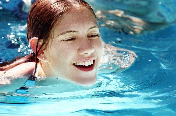 Zapraszamy na basen ;-) 3w1: rekreacja, ruch, relaks  Hotel Gracja dokłada wszelkich starań aby taki banał jak basen dał Tobie dużo radości. Ciągle dbamy o higienę i stan basenu. Ponadto cieszy się on wyjątkowym uznaniem wśród Gości.   https://hotelgracja.pl/spa-gorzow-wlkp-silownia-basen/