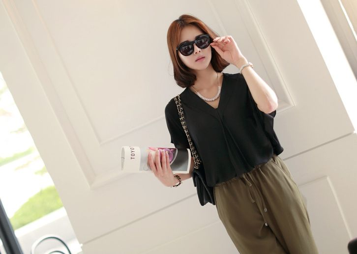 Republic of Korea reigning Women's Clothing Store [CANMART]  #koreafashionshop #fashion_pinter #pinterclothes #pintershop #Fashion_women #goodquality #goodfabric #korea #dailylook #dailyfashion #CANMART #OOTD #daily_blouse #basic_blouse #stylish_blouse #popolar_blouse #korea_blouse #fashionable_blouse #women_blouse #summer_blouse  Bell monoculture blouse / Size : FREE / Price : 32.49 USD