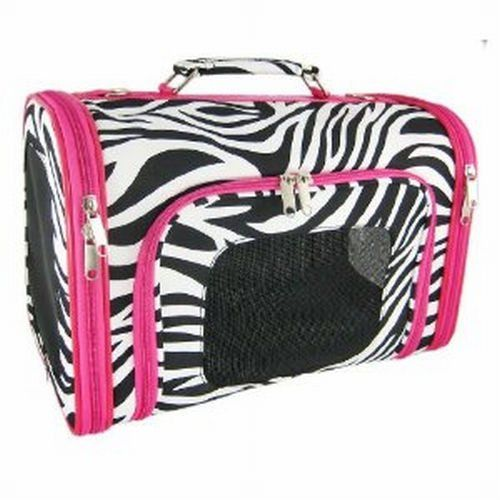 Love this dog carrier. Zia needs this!!!