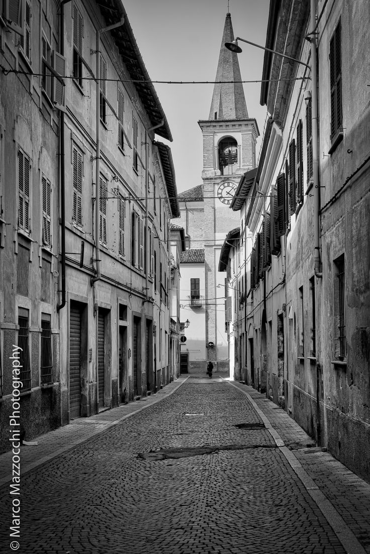 Via Capurro toward Via Merconi, Novi Ligure, Italy