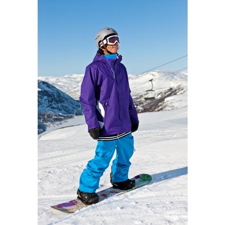 Kr. 999,-  Stubbe jakke er en vattert og varm oversized jakke som er spesielt utviklet for brettkjørere og den urbane. Jakken er svært stor i størrelsen.