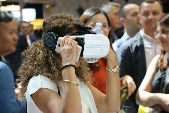 IMMERSIVE VR EXPERIENCE @ STAND SIEMENS _ EUROCUCINA 2016 3AXIS project by AXIS communications