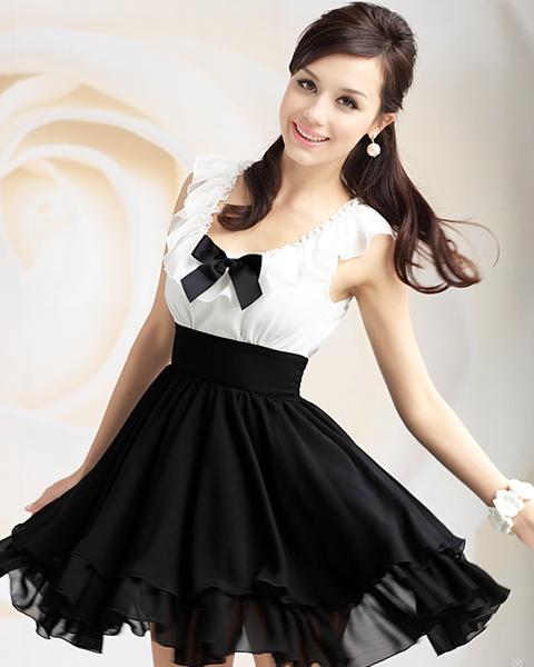 Ruffle Sleeveless Chiffon Dress #dress: Ruffles Sleeveless, Ruffles Collars Waist, Women Dresses, Black And White, White Chiffon Dresses, Sleeveless Chiffon, 2012 Black, Black Whit Ruffles Collars, Blackwhit Ruffledcollar