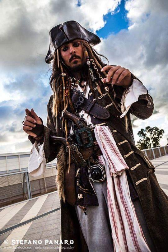Косплей на Капитана Джека Воробья (Пираты Карибского моря) Косплей, пираты карибского моря, капитан Джек Воробей