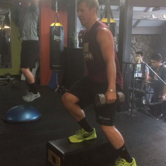 College hockey players getting ready for next season with 2 hour kick ass workouts ( not for beginners, for sure)...seen here 4x 2 minute each of Leg finishers after heavy pause squats, hill sprints, back leg curls, walking lunges heavy, weighted Jump squats and don't forget upper body