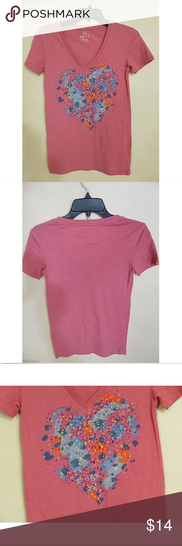 """Aerie Poet-T Womens T-shirt Sz XS Pink Brand:  Aerie Poet-T  Condition:  Pre-owned  Details:  Womens T-shirt, pink, short sleeve, graphic splatters in the shape of a heart with the words """"It's Complicated""""  V-neck  Stated Tag Size: XS  Length:  24"""" Chest:  28""""  Material:  60% Cotton, 40% Polyester Inventory #-- 02017 aerie Tops Tees - Short Sleeve"""