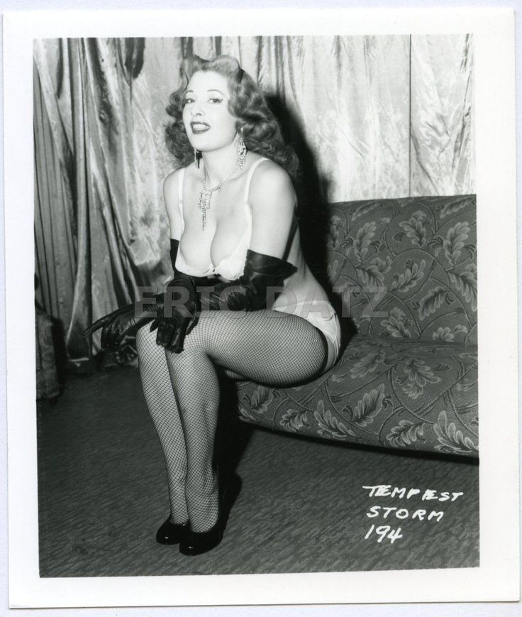 1950's Photo, Buxom Pin-up Girl Tempest Storm In Fishnet Stockings, 4x5, X19163