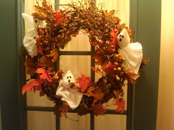 interior halloween homemade decorations keep your ideas on task and hand halloween homemade decorations wreath - Nice Halloween Decorations
