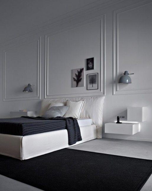 Contraste réussi entre les moulures classiques et le mobilier design #bedroom #black white