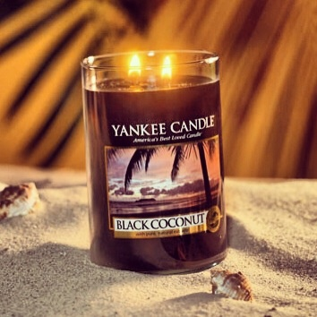 Black Coconut ... Because nothing soothes the soul like a sunset in the islands. When darkness falls, the rich fragrance of coconut, cedar wood, and island blossoms promise an evening of luxurious tranquility. ❤ #CandleLOVE ❤ www.yankeecandle.com/detail/black-coconut/1254013