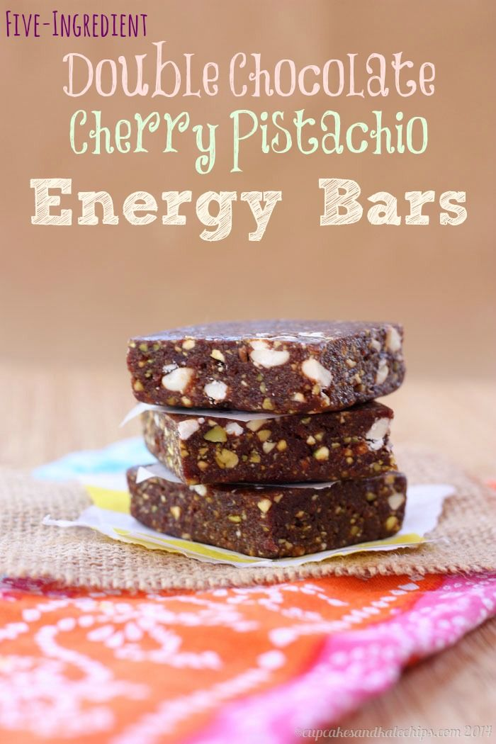 Five-Ingredient Double Chocolate Cherry Pistachio Energy Bars {copycat Lara Bars} | cupcakesandkalechips.com | #glutenfree #vegan #snack