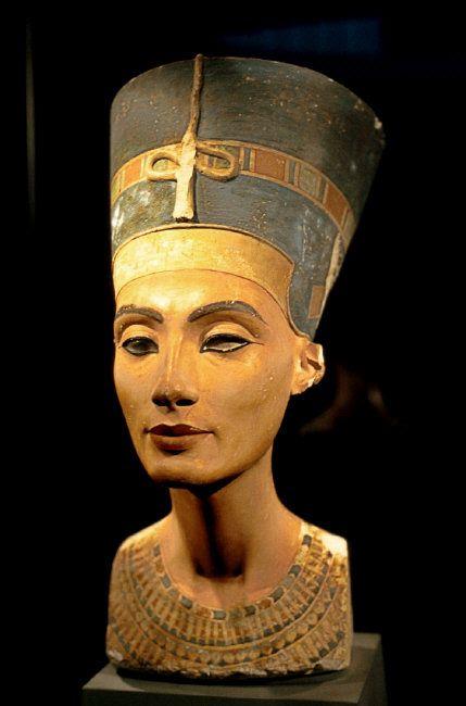 -Nefertiti