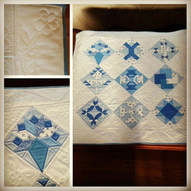 Plaid patchwork réalisé à la main blanc et bleu