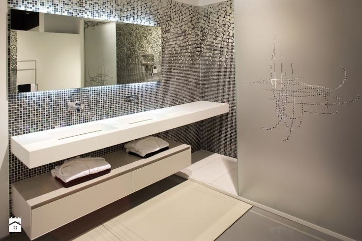 Umywalka z blatem na wymiar i spasowaną szafką Łazienka - zdjęcie od Luxum