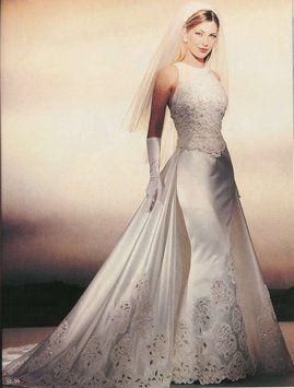 Demetrios Mermaid Style Wedding Dress $275