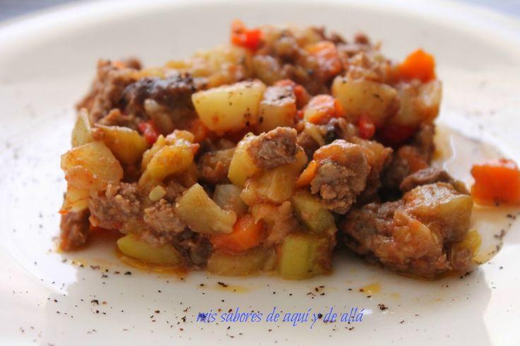 Mis sabores de aquí y de allá: Kawage o pisto sirio con carne al horno / Syrian ratatouille with ground meat