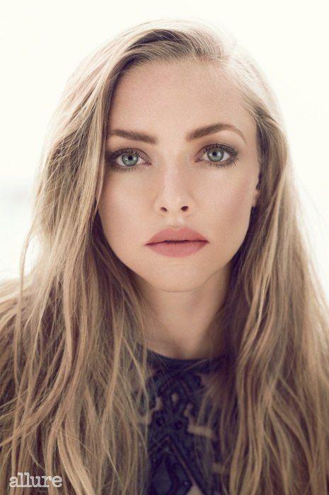 Amanda Seyfried with simple yet beautiful make up