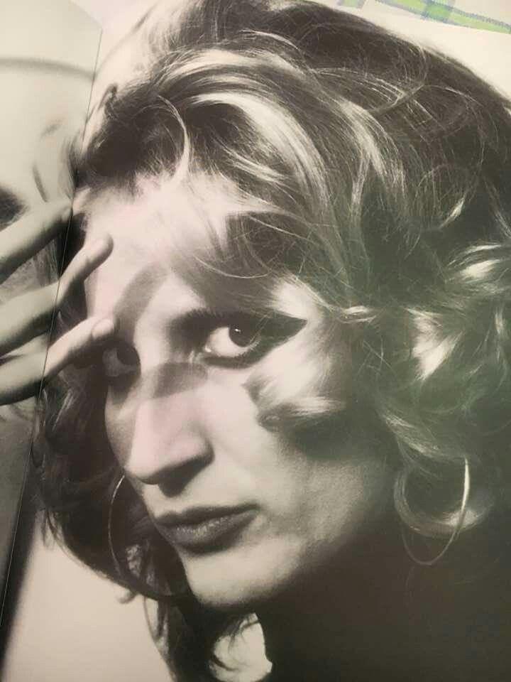 Mina, nome d'arte di Mina Anna Mazzini (Busto Arsizio, 25 marzo 1940)