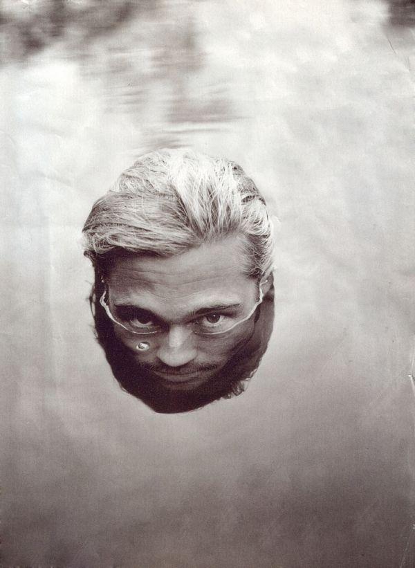 Brad Pitt. Mainio idea. Veden alta näkyy juuri sopivasti loppukin miekkosen naamarista.