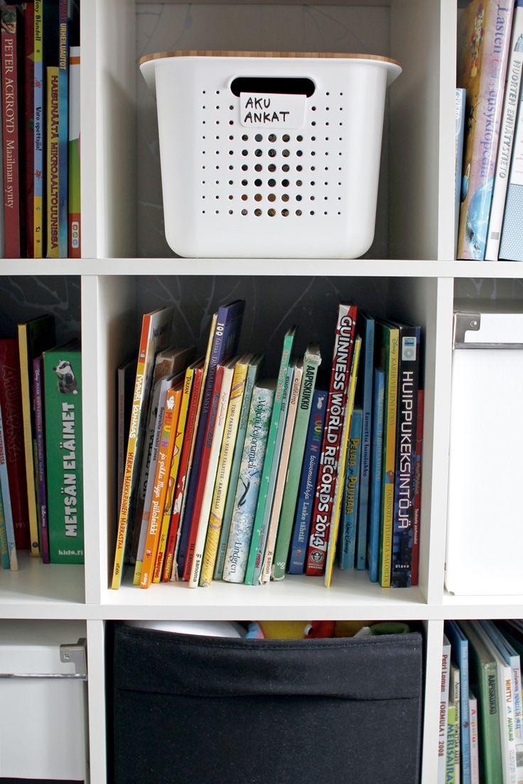 Lapsiperheessä (ainakin meillä) tavaraa on usein enemmän kuin laki sallii. Itselleni on tärkeää, että jokaisella tavaralla on oma paikkansa...