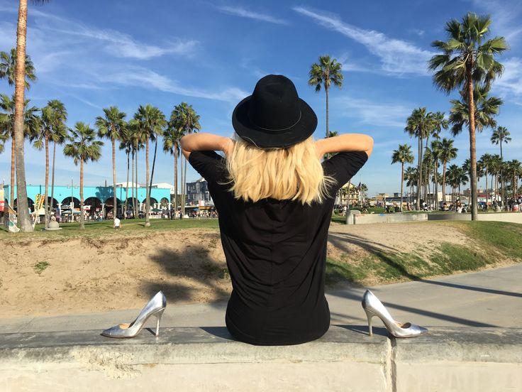 LPM Style |  🇺🇸 Beach waves turned messy hair don't care. 🇫🇷 Les cheveux en désordre sans aucun soucis. www.lpmstyle.com #Fashion #Lifestyle #Blog #Venice #BeachWaves