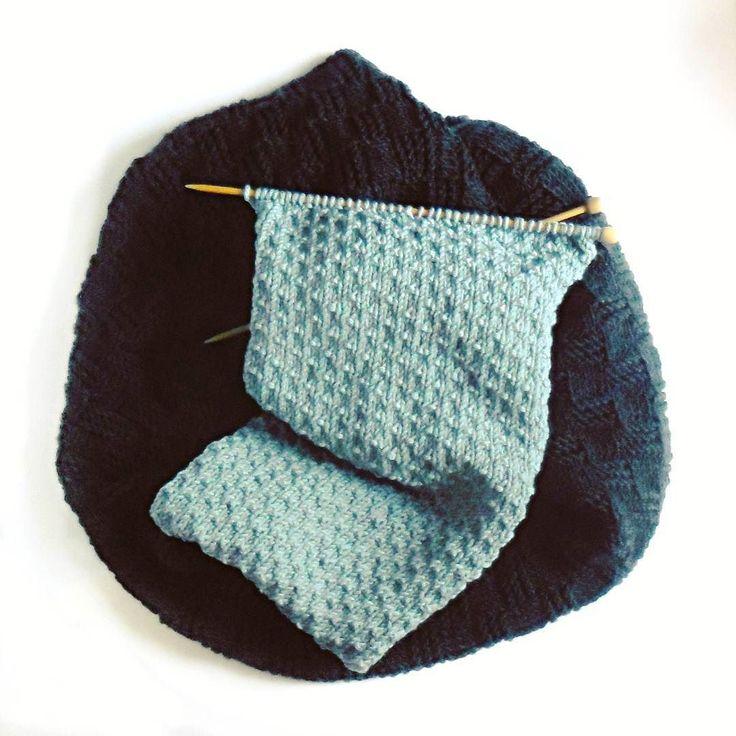 #scarf #cowl #knitting #knittinginprogress #autumn #cozyautumn #winter #knittstagram #weareknitters #yarn #yarnaddict #wool #merinowool #merinoextrafine #drops #duckegg #igknitters
