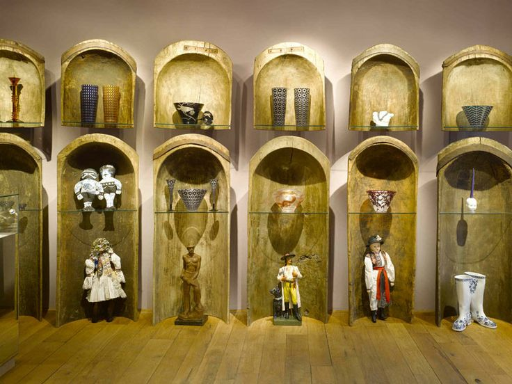 ARTĚL Malá Strana's beautiful Dovecote wall. U Lužickeho semináře 7 118 00 Prague 1 Czech Republic