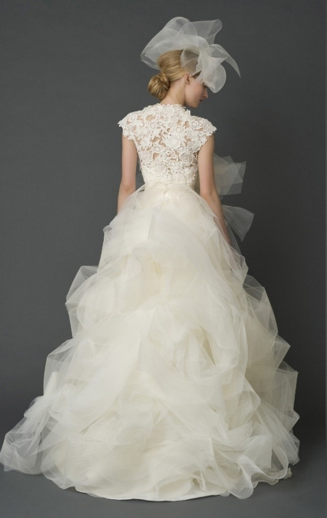 30 best wedding dresses images on pinterest wedding for Vera wang princess ball gown wedding dress