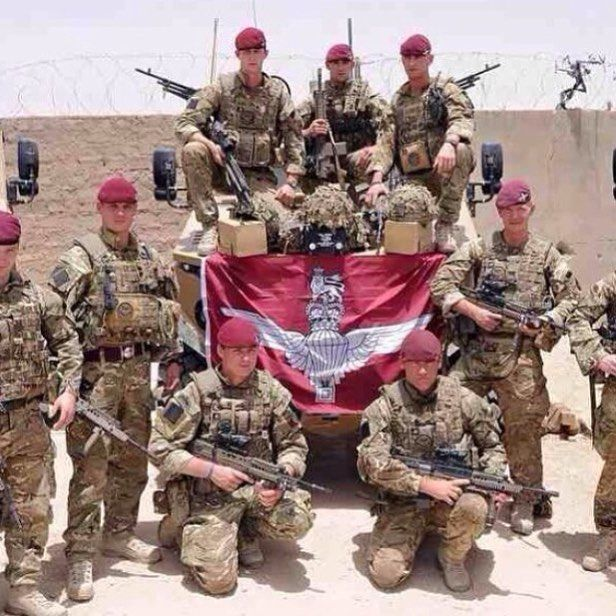 The maroon machine, British Paras in Afghanistan #paras #british Partners: @deutscher.patriot @patriotic.unitedkingdom @british_army_things @war.deutschland @canadian.rcaf150 @mr.military18 @deutschlandmilitary @world_of_defence @combat.germany @british_armed_forces_things @australian_army_page