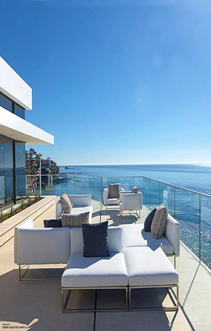 Southern California ocean front - Love the clear plexiglass railing feature
