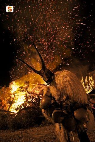 Luci nella notte di Atzori Roberto #Ottana #Sardegna