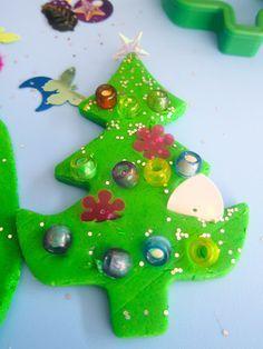 etapa preesquematica edad 4 a 7 años  plastilina navideña