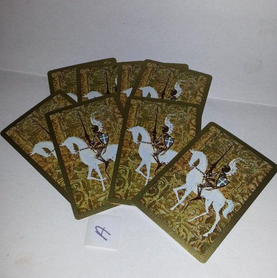 Vintage papier ephemera veel oude speelkaarten wit paard ridder op goud voor veranderd kunst schroot projecten