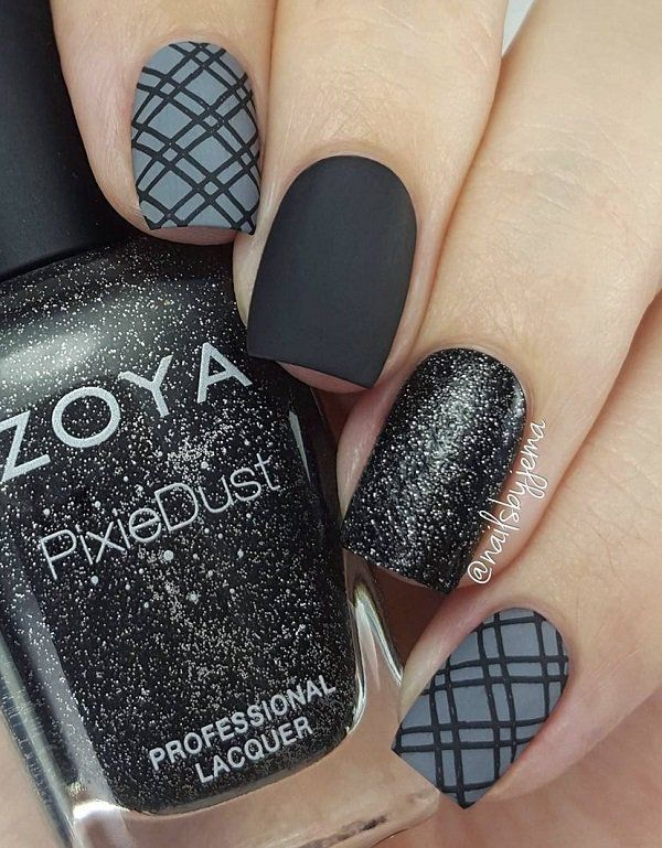 Get Monochromatic Effect By Combining Black And Grey Contrive Crisp Black Stripes With The Help Of Thin Brush To G Tape Nail Art Plaid Nails Nail Art Stripes