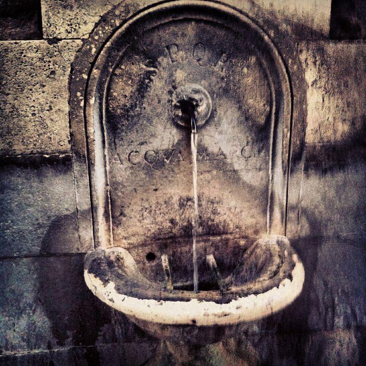 """Real ancient Fontanella @ Campidoglio """"S.P.Q.R Acqua Marcia"""" - Rome (Italy)"""