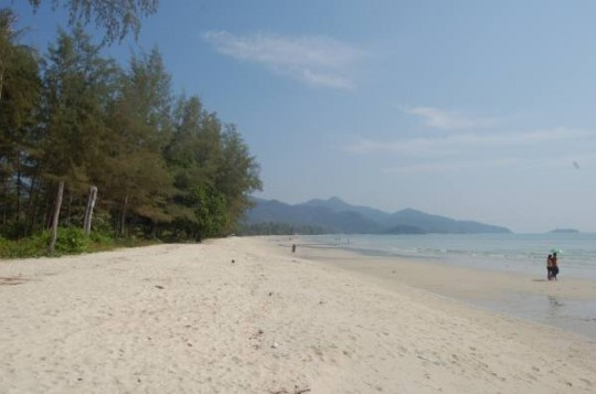 *IT's review & recommendations for South Klong Prao Beach- several good places & this is where his guesthouse is.