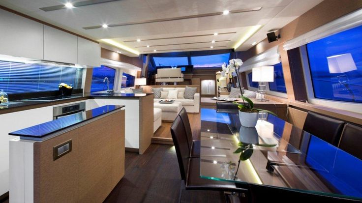 Family dining, weekend min-break vacation, or entertaining friends; the salon of the Prestige Yachts 750 has you covered.