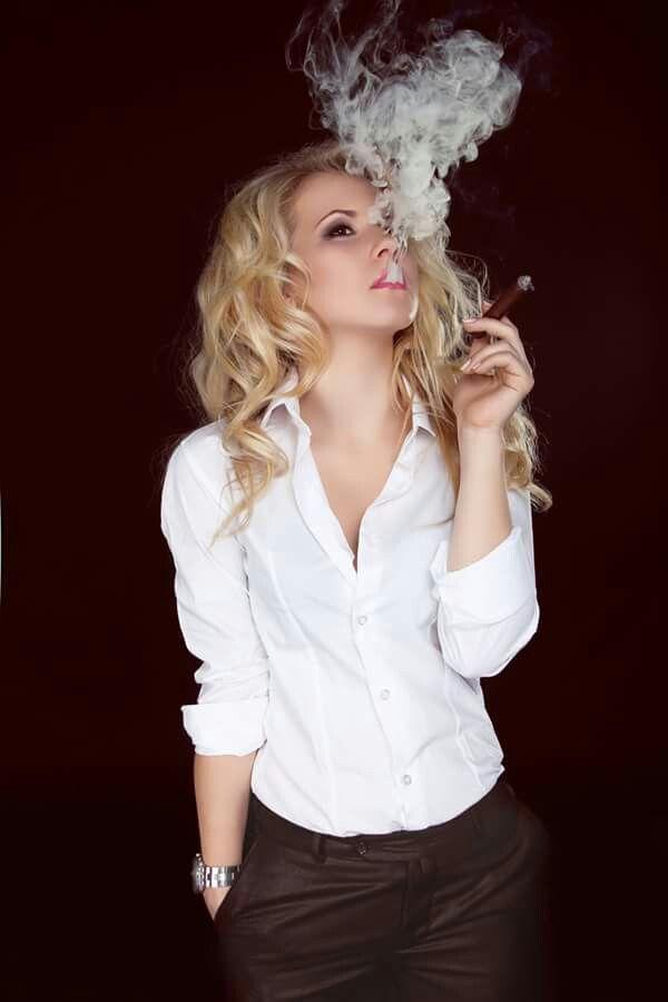 Pin By Myvirtualcigar On Cigar Ladies Pinterest