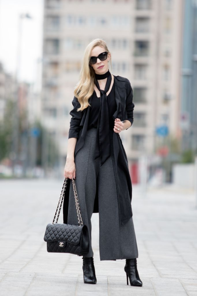 Milan Fashion Week SS17 Day 1: drapey trench coat, black skinny scarf, knit culottes, Stuart Weitzman booties, Chanel Jumbo classic flap bag, culottes with booties outfit, drapey trench with culottes outfit, how to wear a skinny scarf