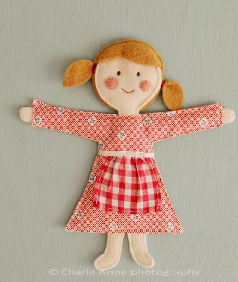 boneca de tecido e feltro